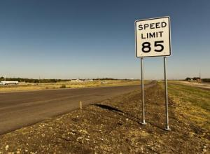 Texas-85-mph-limit-could-spread-QL28235E-x-large (1)