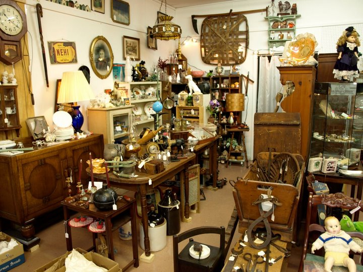 antique_shopping_2
