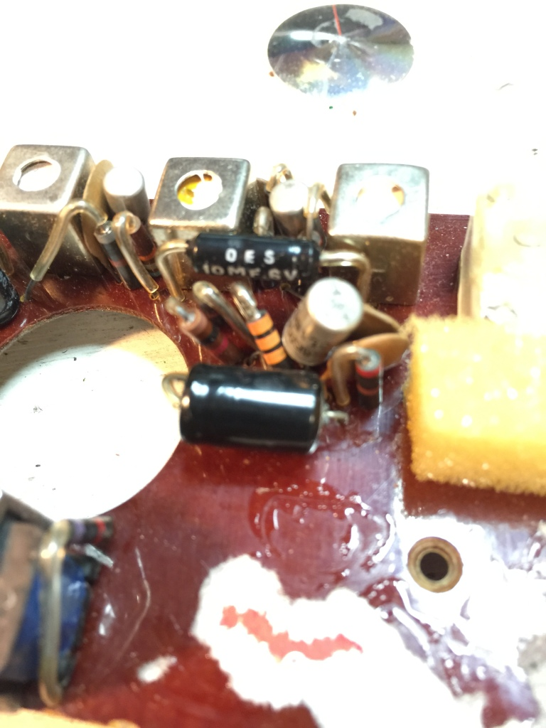 Radio needing new caps.
