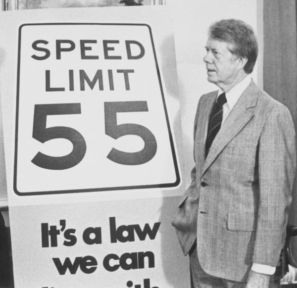 president-carter-and-speed-55-mph-sign-called-cotta_carter_55_600-compliments-of-autophiliac-wordpress.jpg
